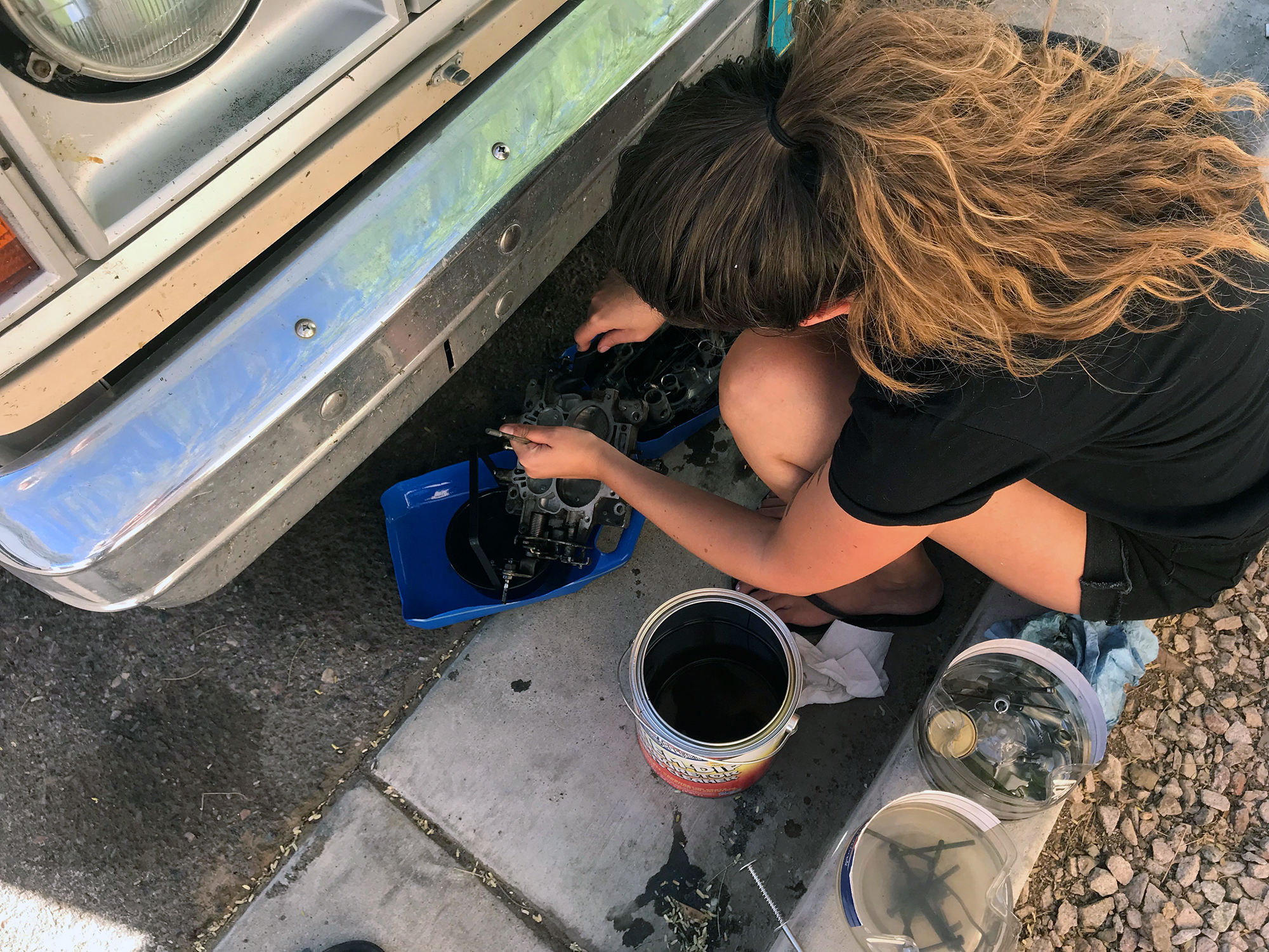 Generic Van Life - Albuquerque Cleaning Carburetor