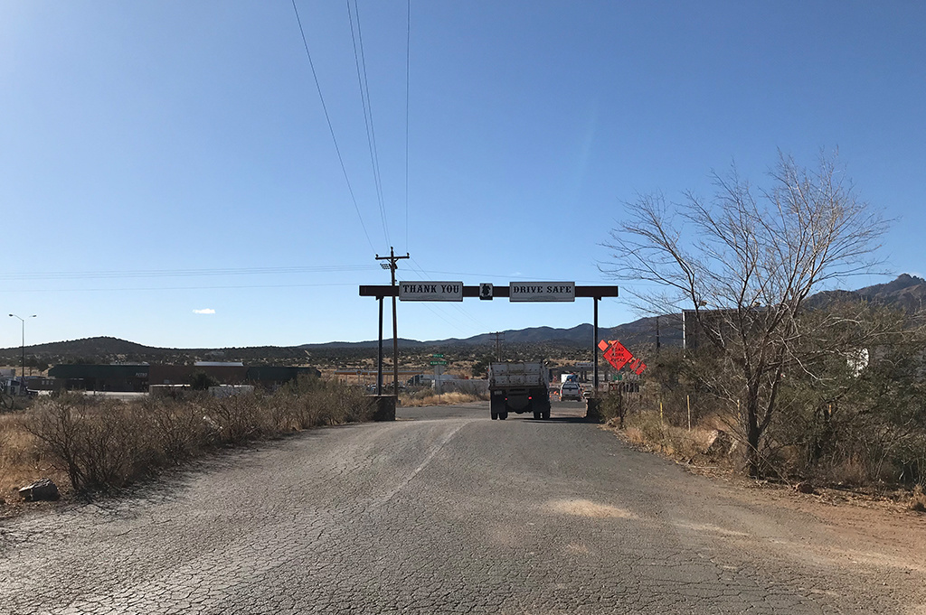 Generic Van Life – Camping Spot – Blake Ranch Kingman Arizona United States – Exit View