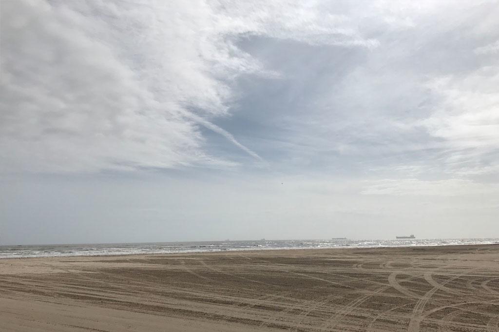 Generic-Van-Life-Camping-Spot-Bolivar Flats – Texas-United-States-beach view