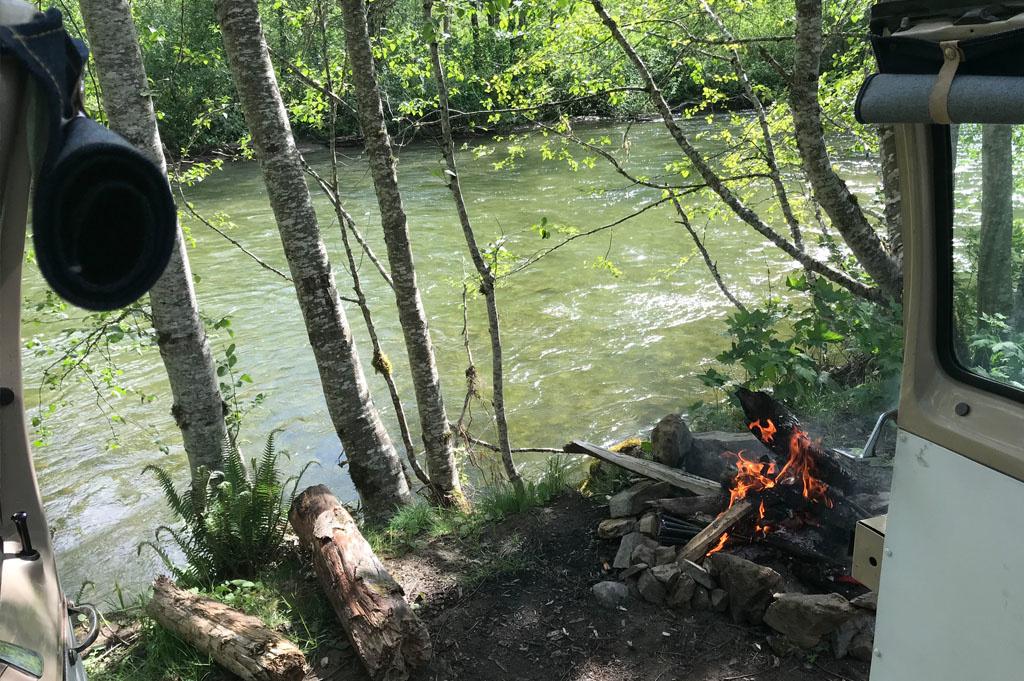Generic-Van-Life-Camping-Spot- Skagit River – British Columbia – campfire an river view