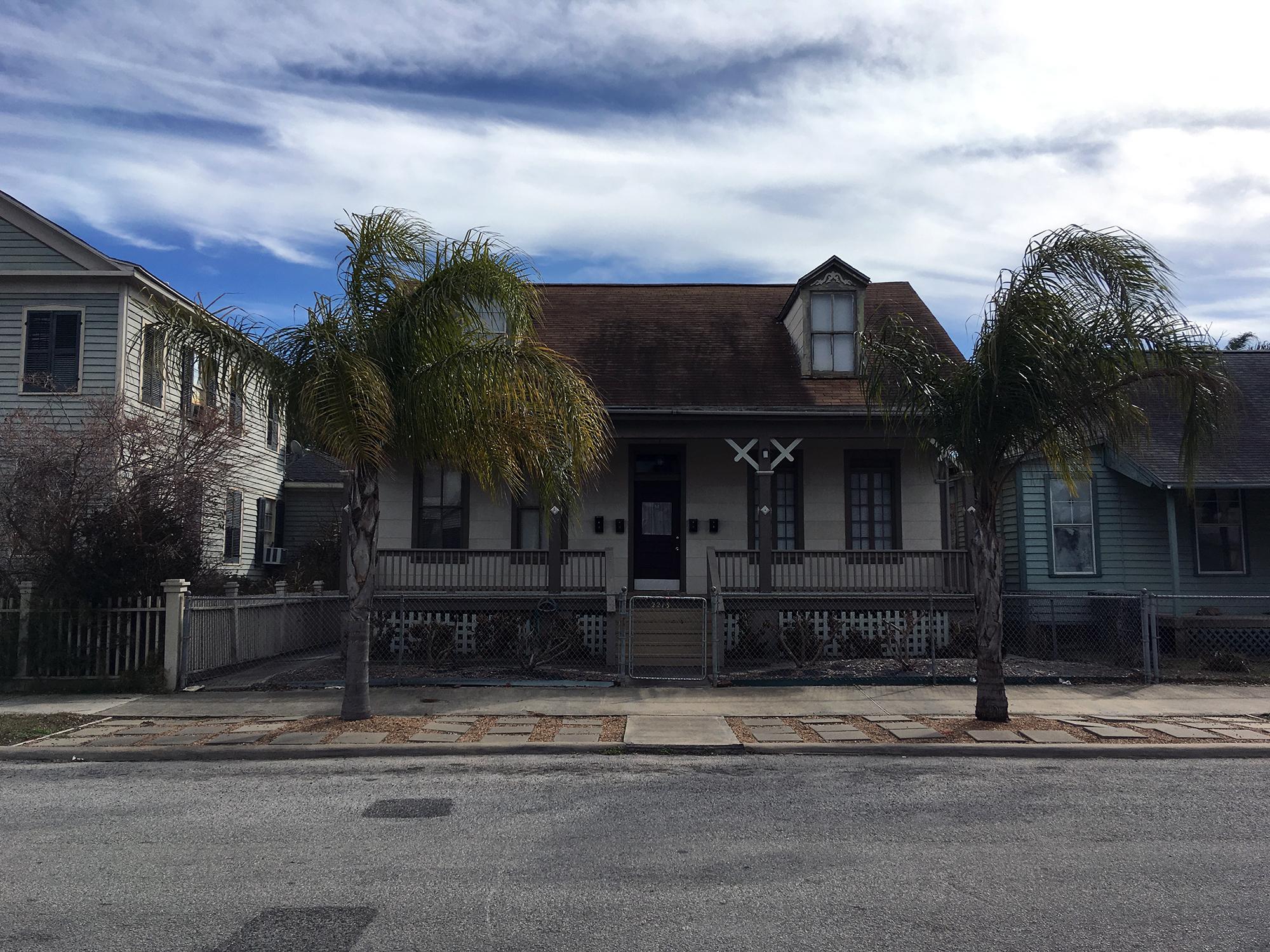 Generic Van Life - Third Coast Robert Durst House