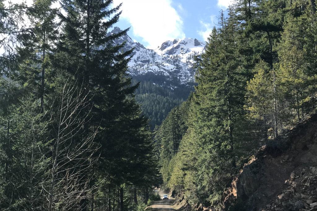Generic-Van-Life-Camping-Spot-Lake Cushman Overlook – Washinton -United-States- View Of Mount Washington, Washington