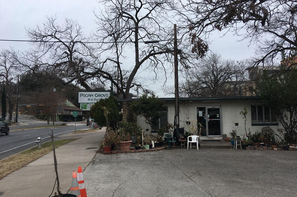Generic-Van-Life-Camping-Spot-Pecan-Grove-Austin-United-States-entrance