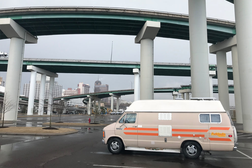 Generic-Van-Life- Camping Spot – The Pyramid-Memphis – Tennessee – United-States – Memphis Overpass