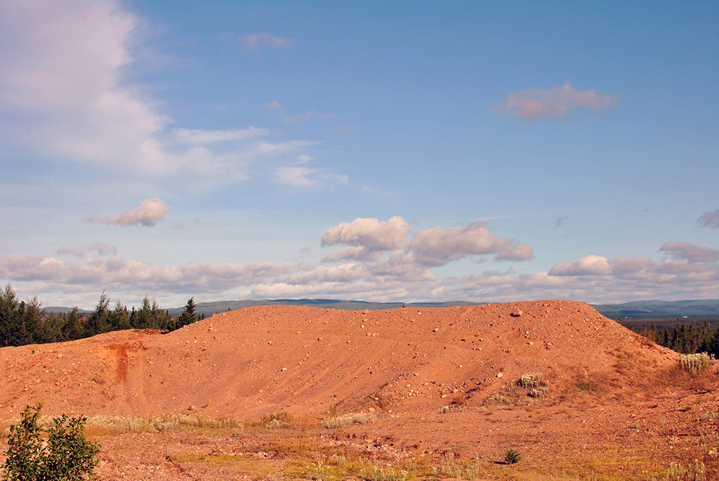 Generic-Van-Life-Deer-Lake-Quarry-Newfoundland-Mound